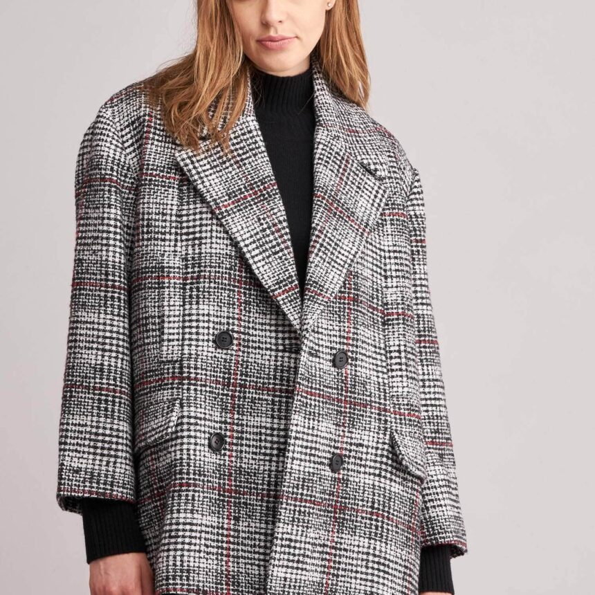 Oversized knitted coat with check pattern
